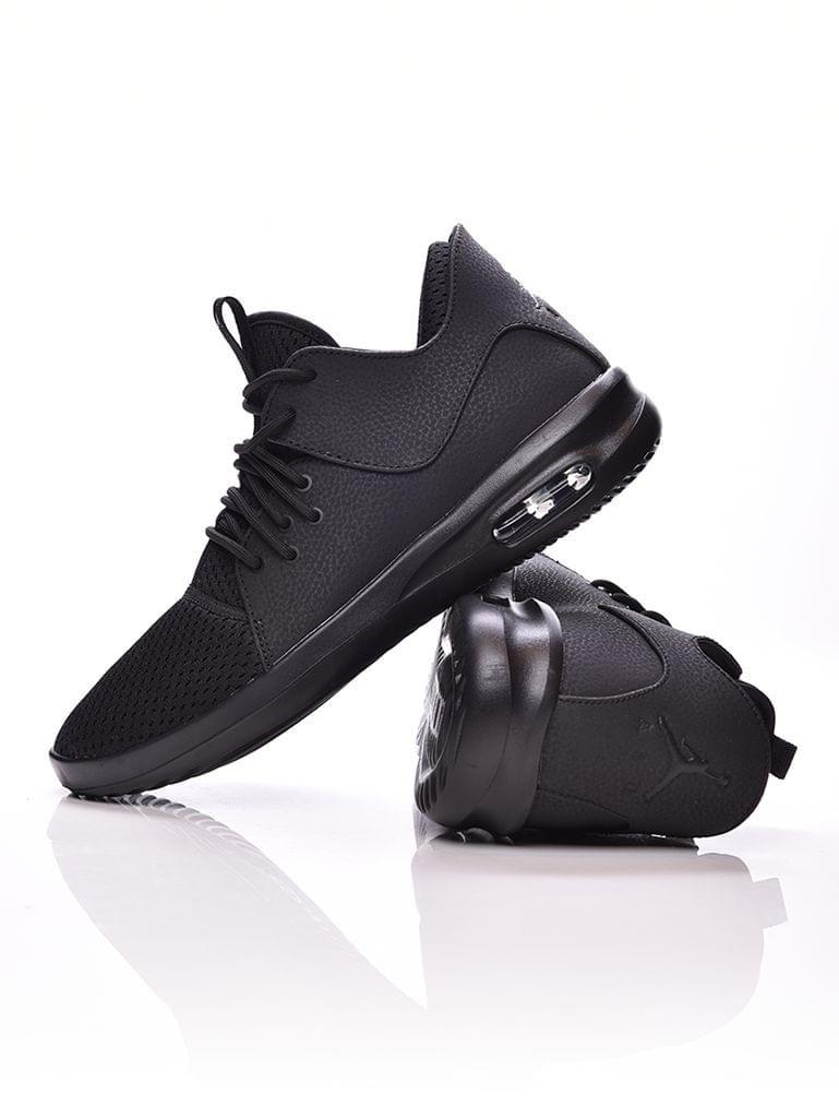 ... Cipő   Kosárlabda cipö   Férfi · Air Jordan First Class a8ab5be290